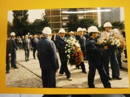 Photographie Presse François Mitterrand,Lach Walesa,Pologne Lot F,année 1989,très Bel état,format 24X16cm,envoi En Lettr - Personnes Identifiées