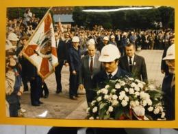 Photographie Presse François Mitterrand,Lach Walesa,Pologne Lot H,année 1989,très Bel état,format 24X16cm,envoi En Lettr - Personnes Identifiées