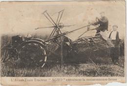 CPA   L AVANT TRAIN TRACTEUR AGRO ENTRAINANT LA MOISSONNEUSE LIEUSE  POUR DOCUMENTATION - Tracteurs