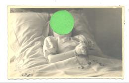 Photo Carte D'une Fillette Décédée - Post Mortem (Y117) - Personnes Anonymes