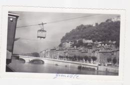 GRENOBLE - Une Cabine Du Téléphérique (Photo NB) - Orte