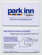 Carte Plastique Accès Parking Park Inn By Radisson Berlin Alexanderplatz - Format Carte De Crédit - Telefonkarten