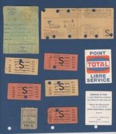 Des Tickets De Metro ,et Des Choses Qui N'ont Rien à Voir Offert à Coté ,vendu En 1 Lot - Métro