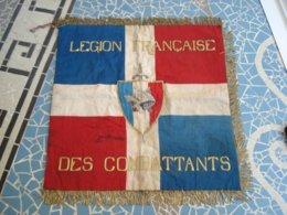 Drapeau  De La Légion Française Des Combattants  Ww2  1940 - Banderas