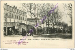 84. AVIGNON . Boulevard Saint Michel . Près La Gare . - Avignon