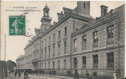 Carte Postale Ancienne De Nantes ( 44 ) Le Lycée Au Fond Le Jardin Des Plantes - Nantes