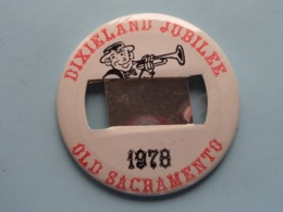 DIXIELAND JUBILEE 1978 - OLD SACRAMENTO (U.S.A.) : Speld / Badge ( See / Voir Photo ) +/- 9 Cm. ! - Musique & Instruments