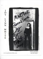AUTOGRAPHE -2004 - Joy Lynn WHITTE - Américaine - Musicienne  Country - Grande Photo Dédicacée - 25 X 20 Cms - Fotos Dedicadas