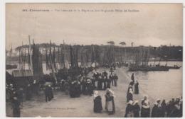 Concarneau Vue Generale De La Digue Un Jour De Pèche De Sardines - Concarneau