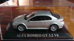 ALFA ROMEO GT 3.2 V6 1/43 - Auto's, Vrachtwagens, Bussen