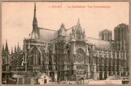 51 / Lot De 2 Cartes : REIMS - Cathédrale Avec échaffaudage Vers L'abside - Reims