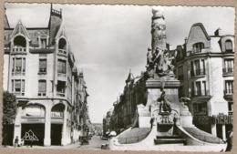 51 / REIMS - Fontaine Subé Et Rue De L'Etape ( Années 50) - Reims