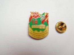Superbe Pin's , Sapeurs Pompiers De Bourgtheroulde , Congrés Départemental 1992 , Eure - Brandweerman