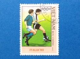 1989 VIETNAM CALCIO ITALIA 90 MONDIALI 100 D FRANCOBOLLO USATO STAMP USED - Vietnam