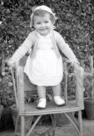 1957 BABY GIRL ENFANT CHILD PORTUGAL AMATEUR 35mm ORIGINAL NEGATIVE Not PHOTO No FOTO - Photographica