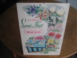 Ancien Carton Publicitaire De 1961 MOUSON Savons Aux Fleurs - Pappschilder
