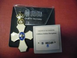 Réplique Exacte De L'ordre Du Faucon ISLANDE 73 Mm Pour 23 Grammes Par Gode Avec Certificat Garantie - Médailles & Décorations