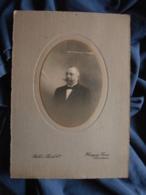 Photo Format Cabinet  Bill's  Hargous Directeurs  Portrait Homme élégant  Très Belle Moustache - L474 - Personnes Anonymes