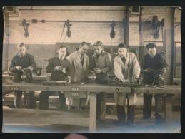 GENT FOTO 14 X 10 CM  LEERLINGEN METAALBEWERKING  SCHOOL CARELS NICAISE 1945 - Gent
