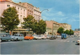 < Automobile Auto Voiture Car >> Daf 33, Citroën Ami6, Ami8, GS, 2CV, Kremlin Bicètre - Turismo
