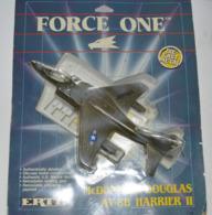 FORCE ONE ERTL MC DONNELL DOUGLAS AV 8B HARRIER AVION EN METAL - Luchtvaart