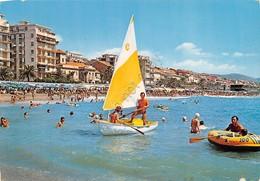 Cartolina Loano Veduta Dal Mare 1977 Spiaggia Vela Animata - Imperia