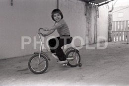 1973 BOY BYCICLE VELO PORTUGAL AMATEUR 35mm ORIGINAL NEGATIVE Not PHOTO No FOTO - Photographica