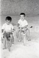 1966 TRICYCLE TRICICLO PORTUGAL AMATEUR 35mm ORIGINAL NEGATIVE Not PHOTO No FOTO - Photographica