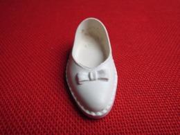Chaussure D'origine Droite N° 2 Pour Poupée Mannequin CATHIE CATHY De BELLA Bon état Années 70 - Dolls