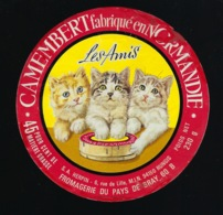 """Etiquette Fromage  Camembert  Normandie """" Les Amis"""" 45%mg  Fromagerie Du Pays De Bray 60B """" Les 3 Chats"""" - Formaggio"""