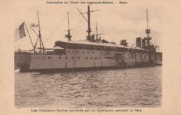 Brest - Les Vaisseaux- écoles, Survolés Par Un Hydravion Pendant La Fête - Brest