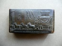 Tabacchiera In Corno Traslazione Ceneri Di Napoleone 15/10/1840 Originale - Altre Collezioni