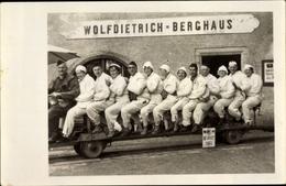 Photo Cp Berchtesgaden In Oberbayern, Wolfdietrich Berghaus, Gruppenportrait Auf Förderwagen - Allemagne