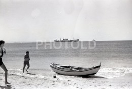 1957 BEACH PRAIA OEIRAS PORTUGAL AMATEUR 35mm ORIGINAL NEGATIVE Not PHOTO No FOTO - Photographica
