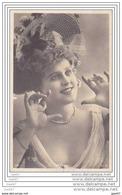 Cpa   Réf JP-464    (  Epoque 1900  )      Jolie  Femme Avec Son Beau Chapeau - Attori