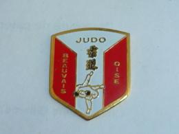 Pin's CLUB DE JUDO DE BEAUVAIS - Judo