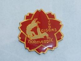 Pin's CLUB DE JUDO DE GISORS A - Judo