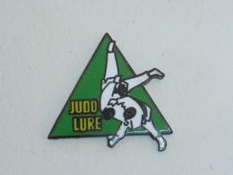 Pin's CLUB DE JUDO DE LURE - Judo