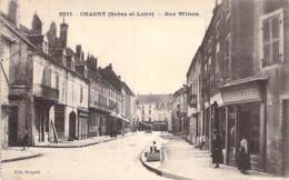 71 - CHAGNY : Rue Wilson ( Animation Commerces ) - CPA Village ( 5.600 Habitants ) Saône Et Loire - Chagny
