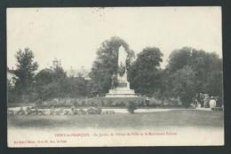 Vitry Le François - Le Jardin De L'hotel De Ville Et Le Monument Carnot    Vaf 81 - Vitry-le-François