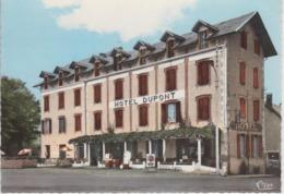 CPSM Castelnau-Magnoac - Hôtel Dupont (avec Pompes à Essence ELF) - Castelnau Magnoac