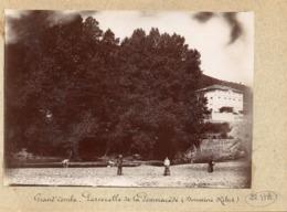 30 . GARD // LA GRAND COMBE .PHOTO ANCIENNE 17C SUR 12C//PASSERELLE DE LA POMAREDE //  ANIMEE - La Grand-Combe