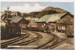 England Uncirculated Postcard - Trains - Festiniog Railway - Portmadoc Station - Stations - Met Treinen