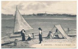 CPA 9 X 14 Finistère KERNEVEL Port-Louis Vu De Kernevel  Jeunes Femmes Enfents Sur La Plage Voilier - France