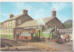 England Uncirculated Postcard - Trains - Prince At Portmadoc - Stations - Met Treinen