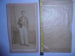 Photo XIX Eme Cdv Marin Et Son Sabre Decor A Bord / Noumea Nouvelle Calédonie / Photos Dufty - Anciennes (Av. 1900)