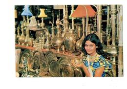 Cpm - HANDI CRAFTS - PAKISTAN - Femme Artisanat - Lampe - 1978 - Pakistan