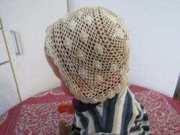Beau Bonnet En Dentelle Au Crochet Ancienne Pour Bébé, Poupée, Baigneur Ou Poupon TBE Années 40 N°3 - Children