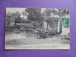 CPA 85 CYCLONE OCTOBRE 1909 PONT ENTRE LE POIRE SUR VIE ET AIZENAY DETRUIT - Aizenay
