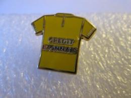 PIN'S    MAILLOT JAUNE  CYCLISME  TOUR DE FRANCE  CREDIT LYONNAIS   Zamak - Wielrennen